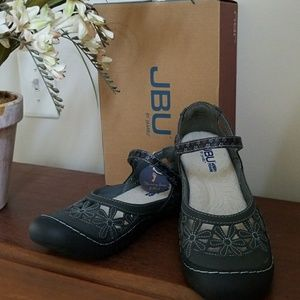 JBU by Jambu wildflower sandals